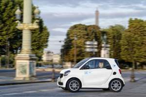 Der Kleine an der Seine: car2go geht in Paris mit den smart EQ-Zweisitzern an den Start. | Foto: car2go