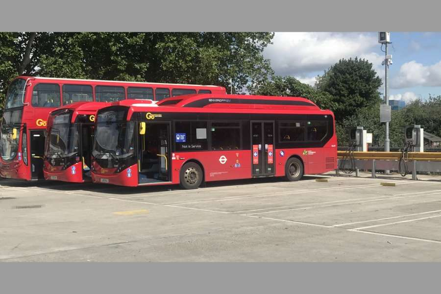 E-Busse im Depot Northumberland Park in London. (Foto: Go Ahead)